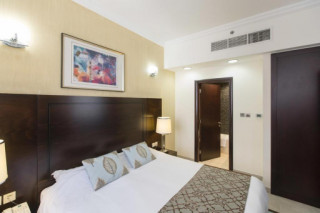 One-Bedroom Apartment Queen with Balcony